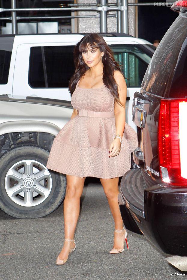 Kim Kardashian, ici à New-York le 26 mars 2013, aura pas mal de kilos à perdre