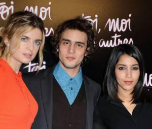 Benjamin Siksou a joué avec Cécile Cassel et Leila Bekhti dans Toi, Moi, Les Autres