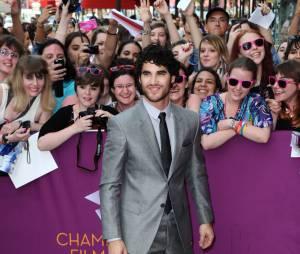 Darren Criss et ses fans à Paris le 18 juin 2013
