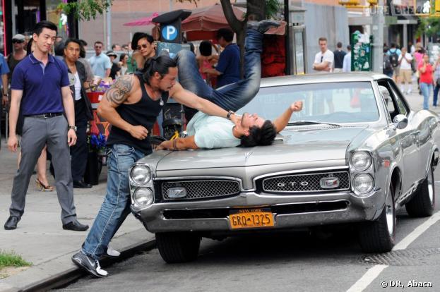 Taylor Lautner se fait tabasser pour son film à New York le 24 juin 2013.
