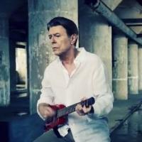 David Bowie : Valentine's Day, le clip guitare à la main