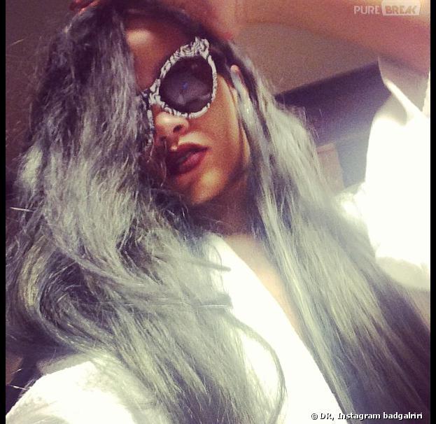 Rihanna : la chanteuse s'est teint les cheveux en gris