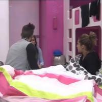 """Anaïs et Eddy (Secret Story 7) les commères annoncent la """"grossesse"""" d'Alexia à Vincent"""
