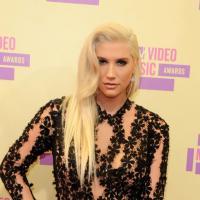 Kesha - pénis, dents humaines et têtes de mort : sa collection de bijoux improbable