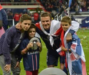 David Beckham et ses fils, le 18 mai 2013 au Parc des Princes