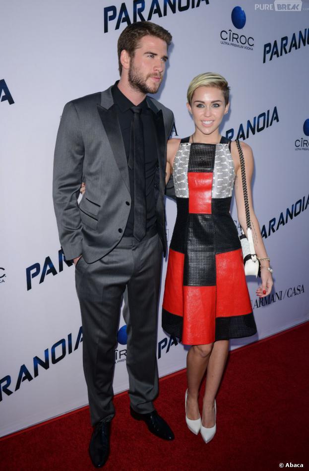 Miley Cyrus et Liam Hemsworth : main dans la main sur le tapis rouge de Paranoia