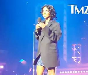 Toni Braxton, fesses à l'air lors d'un concert au New Jersey le 14 août 2013