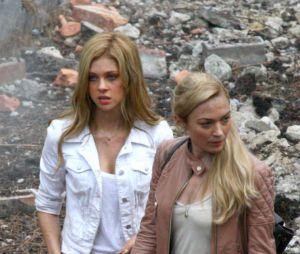 Nicola Peltz et Sophia Myles sur le tournage de Transformers 4, le 31 juillet 2013 à Detroit