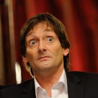 """Pierre Palmade : """"Je suis triste d'être homo"""", Twitter choqué par ses propos"""