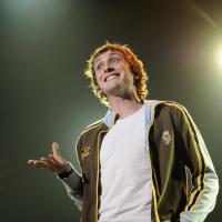 Baptiste Lecaplain : sur scène avec Kyan Khojandi pour l'association Un cadeau pour la Vie