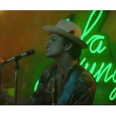 Bruno Mars : Gorilla, le clip hot avec Freida Pinto