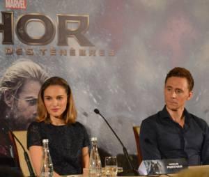 Kevin Feige, Natalie Portman, Tom Hiddleston et Alan Taylor à la conférence de presse de Thor 2 le 24 octobre 2013 à Paris