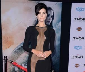 Jaimie Alexander dans une robe transparente sur le tapis rouge de Thor 2, le 4 novembre 2013 à Los Angeles