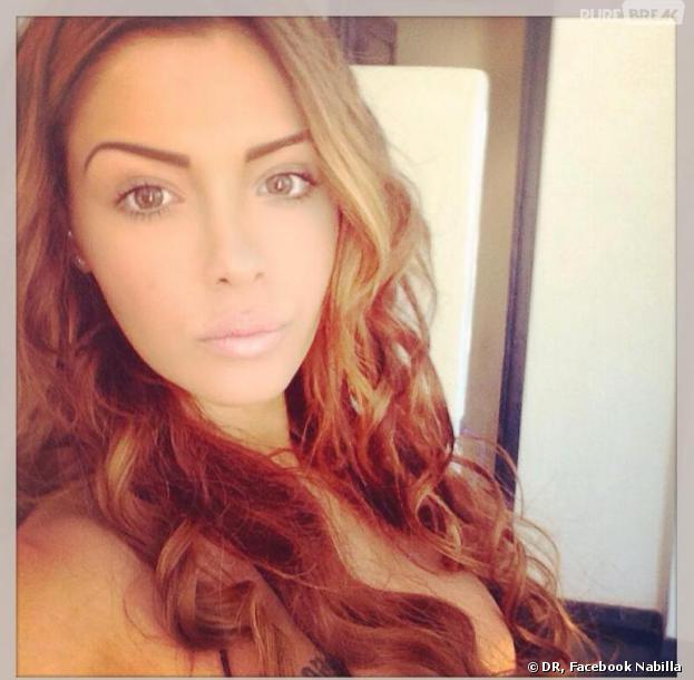 Nabilla Benattia dévoile sa nouvelle couleur de cheveux sur Facebook