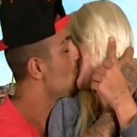 "Les Ch'tis à Hollywood : Tressia embrasse Julien, Charles ""DJ de kermesse"""