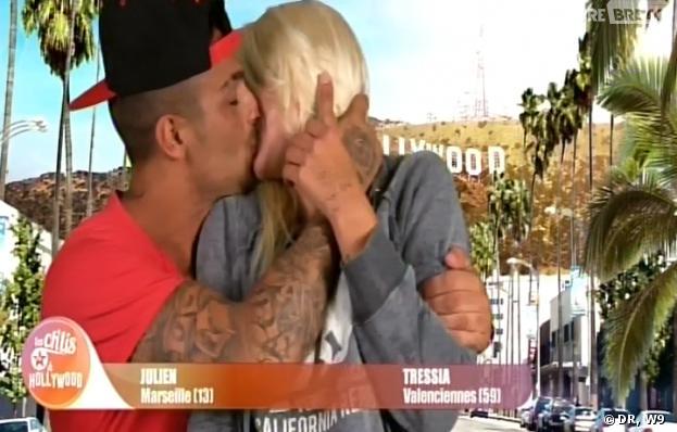 Les Ch'tis à Hollywood : Julien embrasse Tressia
