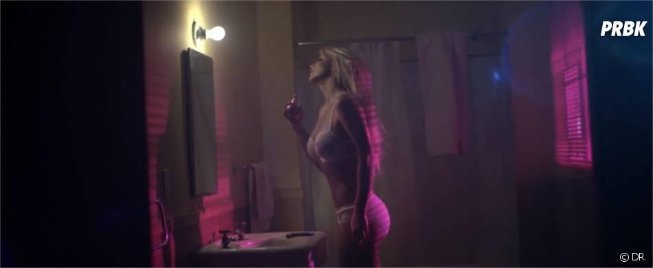 Britney Spears dans le clip de Perfume