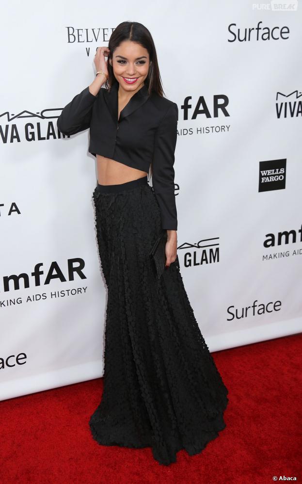 Vanessa Hudgens sexy en Hugo Boss, le 12 décembre 2013 à l'amFAR Inspiration Gala