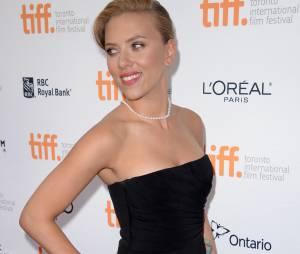 Scarlett Johansson à Toronto en septembre 2013, en cinquième position pour le plus beau corps parmi les stars selon le magazine FITNESS