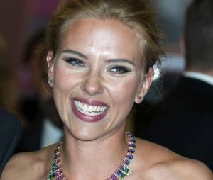 Scarlett Johansson à Venice en septembre 2013, en cinquième position pour le plus beau corps parmi les stars selon le magazine FITNESS