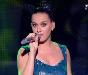 NMA 2014 : Katy Perry interprète 'Roar' après un petit bug technique
