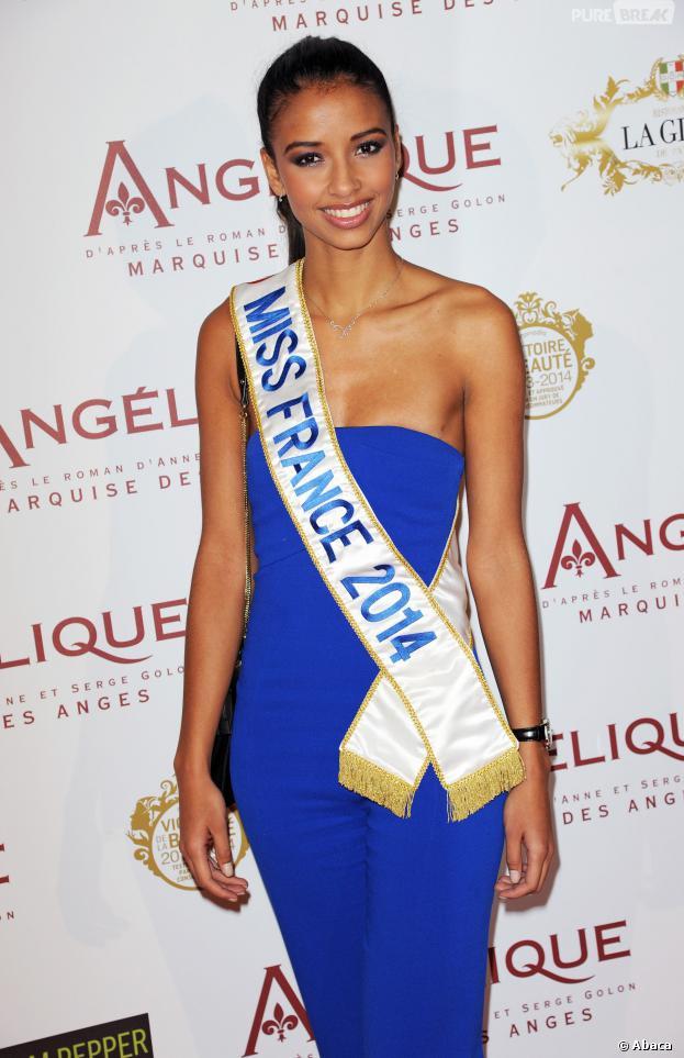 Flora Coquerel : Miss France 2014 à l'avant-première d'Angélique, le 16 décembre 2013 à Paris