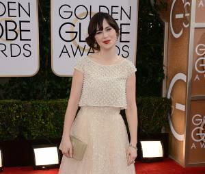 Golden Globes 2014 : Zooey Deschanel sur le tapis-rouge le 12 janvier 2014 à Los Angeles