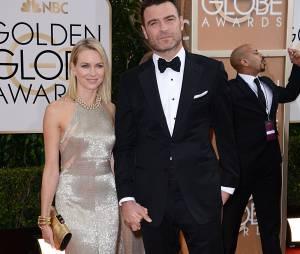 Golden Globes 2014 : Liev Schreiber et sa femme Naomie Watts sur le tapis-rouge le 12 janvier 2014 à Los Angeles