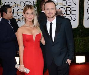 Golden Globes 2014 : Aaron Paul et sa femme sur le tapis-rouge le 12 janvier 2014 à Los Angeles
