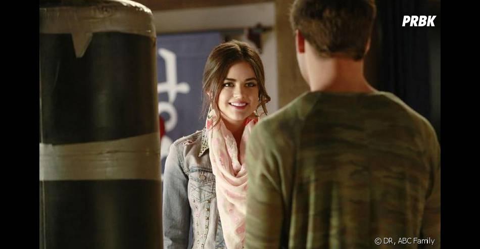Pretty Little Liars saison 4, épisode 16 : Lucy Hale sur une photo