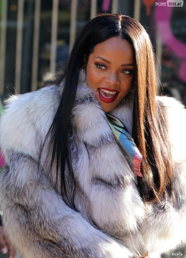 Rihanna en manteau de fourrure, le 29 janvier 2014 à New-York