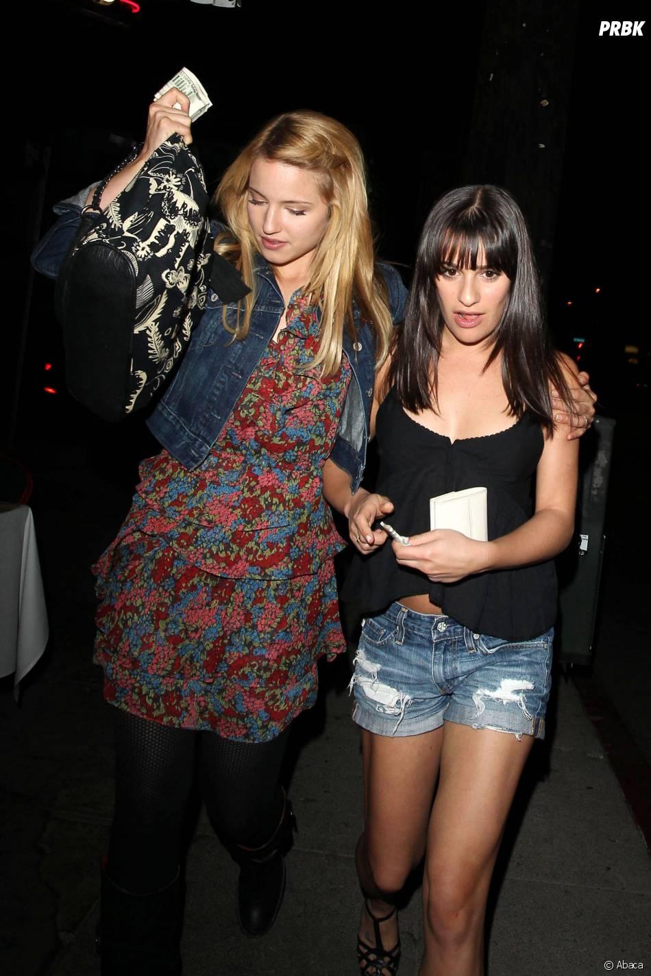 Dianna Agron et Lea Michele à la sortie d'un restaurant de Los Angeles, le 4 novembre 2010
