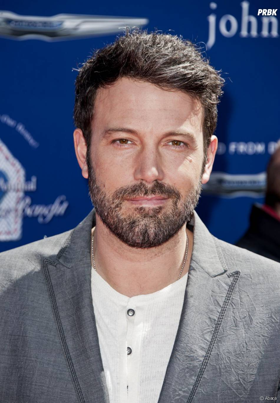 Ben Affleck choisi pour interpréter Batman face à Henry Cavill dans Batman VS Superman