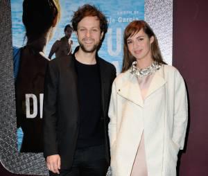 Louise Bourgoin et Pierre Rochefort : duo en noir et blanc pour l'avant-première d'Un beau dimanche, le 3 février 2014 à Paris