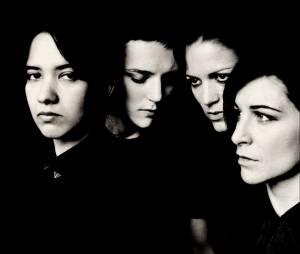 Savages : groupe de rock féminin fondé en Angleterre