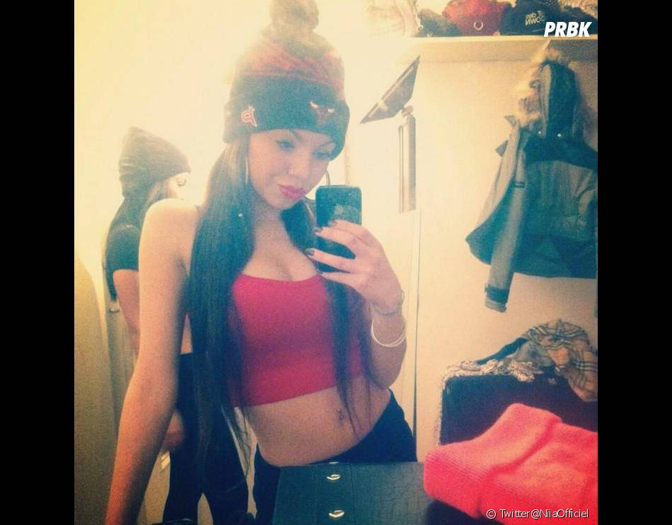 Niia Hall : photos sexy sur Twitter