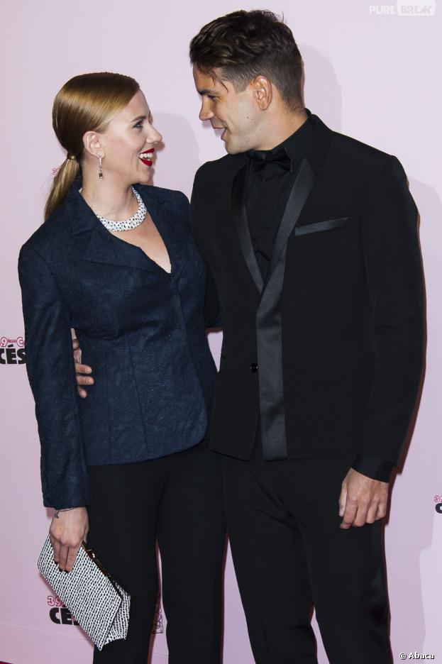 Scarlett Johansson et Romain Dauriac : regards complices sur le tapis rouge des César 2014