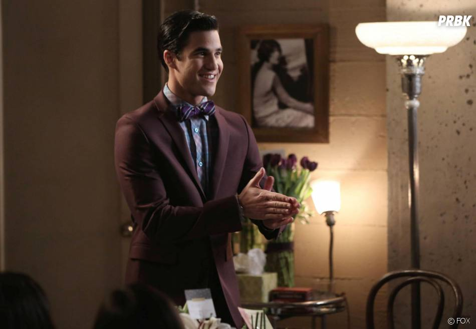Glee saison 5, épisode 17 : Darren Criss sur une photo