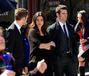 The Originals saison 1, épisode 20 : Klaus, Hayley et Elijah sur une photo