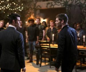 The Originals saison 1, épisode 21 : Klaus et Elijah sur une photo