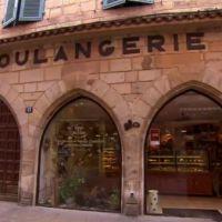 La meilleure boulangerie de France : un chat se prend une porte et fait le buzz