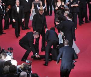 America Ferrera s'est fait attaquer par un homme sur le tapis rouge du Festival de Cannes, le 16 mai 2014