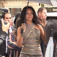 Rihanna à Paris : bain de foule malgré la pluie sur les Champs Elysées