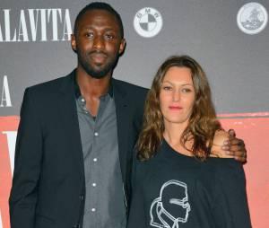 Thomas Ngijol et Karole Rocher en couple à l'avant-première de Malavita, le 16 octobre 2013