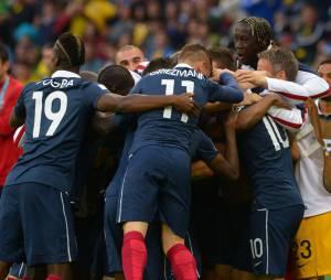 Mondial 2014 : les Bleus célèbrent un but pendant France/Honduras