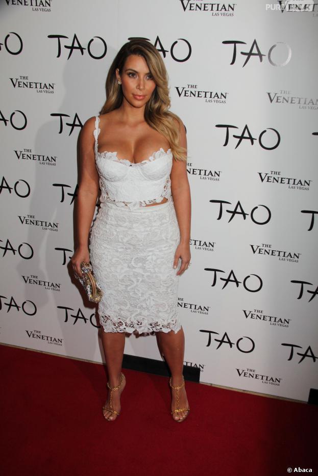 Kim Kardashian est la reine des décolletée
