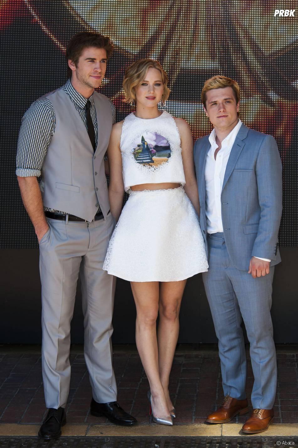 Liam Hemsworth, Jennifer Lawrence et Josh Hutcherson prennent la pose pour Hunger Games 3 au Festival de Cannes, le 17 mai 2014