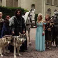 Game of Thrones : des fans transformés en Daenerys et Jon Snow pour leur mariage