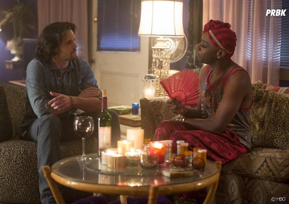 True Blood saison 7 : Nathan Parsons (James) et Nelsan Ellis (Lafayette) sur une photo