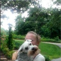 La vidéo trop cute d'un chien qui s'évanouit de bonheur